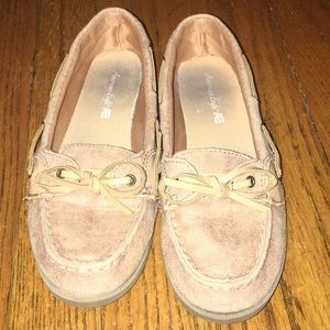 Women's brown boat shoes